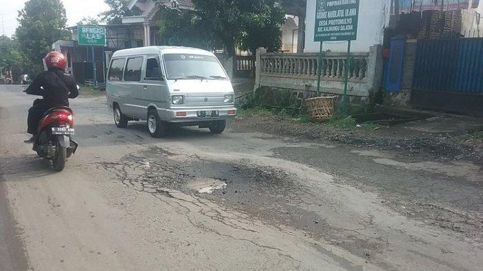 Hotline Semarang : Tolong Jalan Berlubang arah Unika Ditambal