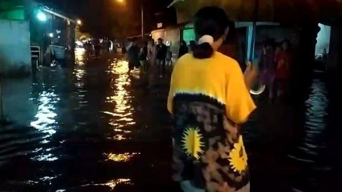 Kondisi banjir di Jalan Kurinci , Kota Pekalongan, Jawa Tengah.
