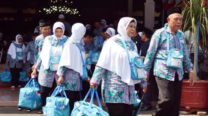Bupati Temanggung Komitmen Kawal Jamaah Haji Hingga di Tanah Suci Lewat Distribusi TPHD