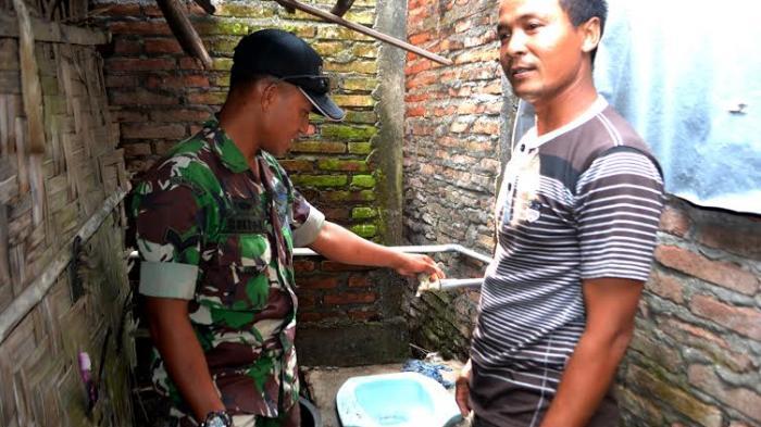 TNI di Demak Bangun Puluhan Unit Jamban Sehat di Sayung dan Wonosalam
