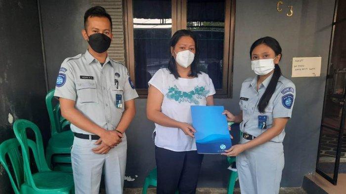 Jasa Raharja Jateng Serahkan Santunan Ke Anggota Polisi Korban Kecelakaan di Polines Semarang
