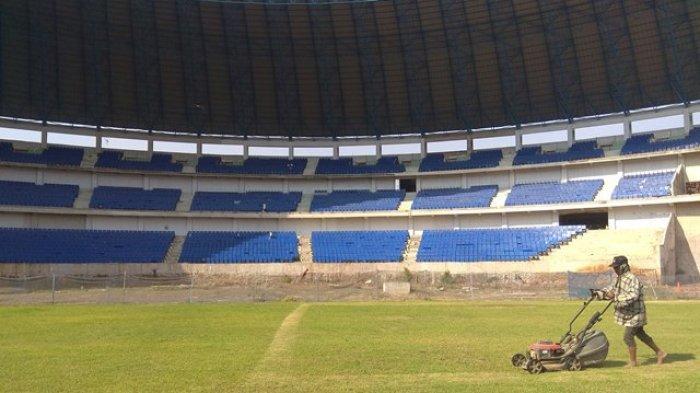 Regulasi Baru Liga 1 2020 - Rumput Lapangan Stadion Harus Sama Tinggi
