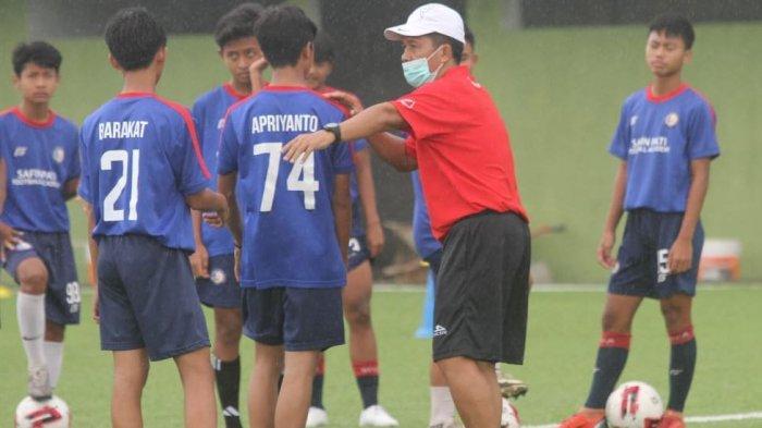Mantan Pelatih Persib Bandung Resmi Gabung Safin Pati Football Academy