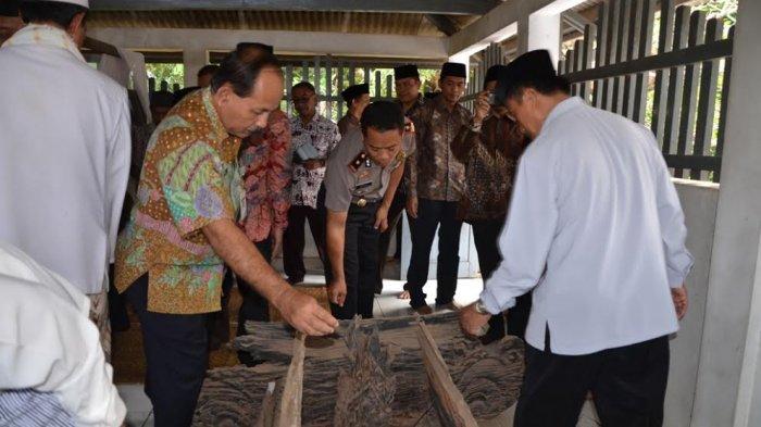 Jelang Peringatan Hari Jadi Kabupaten Batang, Bupati dan Forkopinda Ziarahi Makam Leluhur