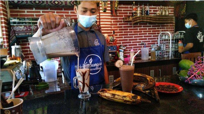Jembangan Coffee Tawarkan Kopi Berpadu Buah Lokal