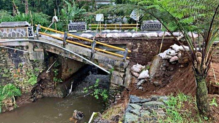 Pagar Jembatan Banjarnegara Ambrol Belum Diperbaiki, Menunggu Korban Jatuh Bila Nglamun