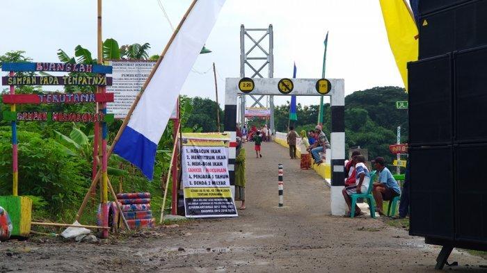 Ini Cara Kreatif Masyarakat Desa Rejosari Kendal, Jembatan Gantung Disulap Menjadi Pusat Keramaian