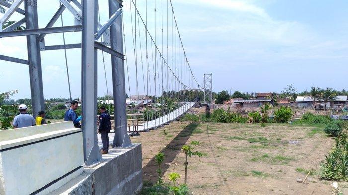 Sempat Mangkrak, Jembatan Gantung Kalibodri Kendal Kini Tinggal Pemasangan Lantai