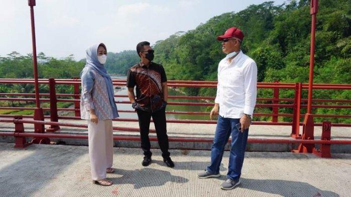 Viral Info di Media Sosial Banyak Baut Jembatan Merah Lepas, Bupati Purbalingga Langsung Cek TKP