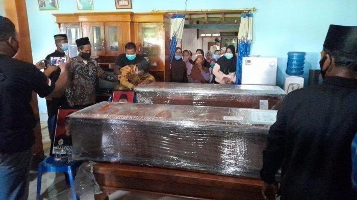Wagiyo Tangisi Jenazah Suyanto dan Riyanto Korban Sriwijaya Air dari Sragen: Kok Mulih Koyo Ngene