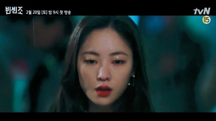 Jeon Yeo Bin Curhat Perasaannya Campur Aduk Lihat Song Joong Ki Kelelahan Saat Syuting Vincenzo