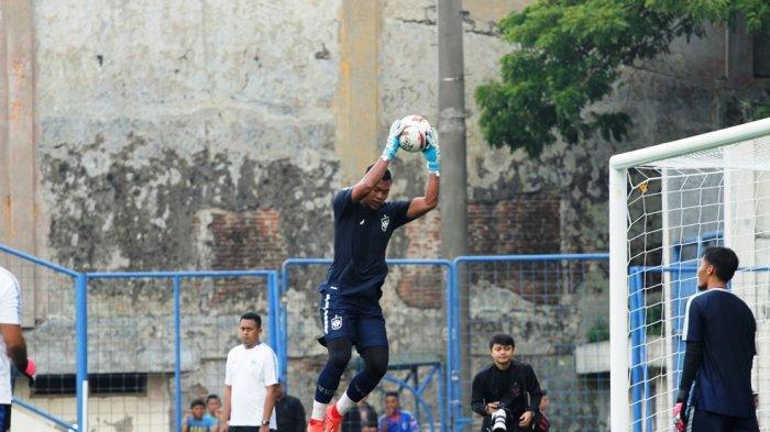 Jokri: Tak Mudah Taklukkan Lapangan Rumput Sintetis Stadion Citarum Semarang