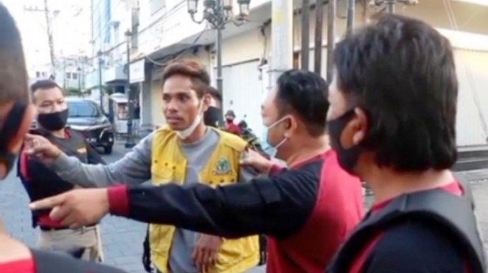 Terciduk Tim Elang, Jukir Kota Lama Tarik Parkir Rp 30 Ribu kepada Mobil Wisatawan
