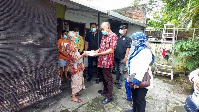Jumat Berkah Dinsos Keliling Kota Semarang Berbagi Makanan Warga Tak Mampu