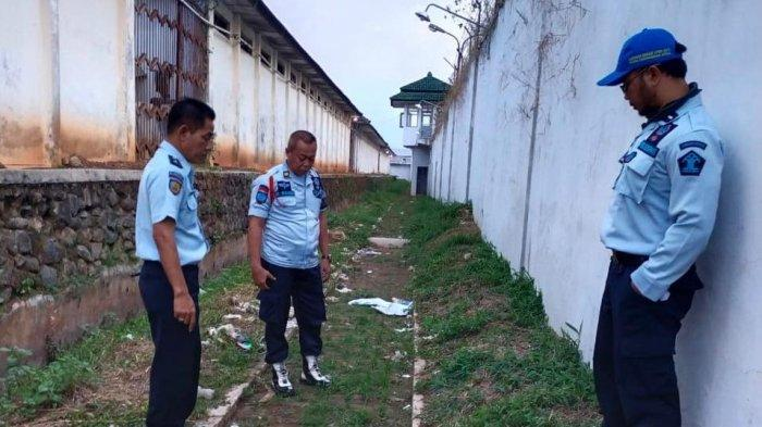 Petugas Lapas Semarang Temukan Bungkusan Berisi Narkoba dan Pil Koplo, Diduga Dilempar daru Luar