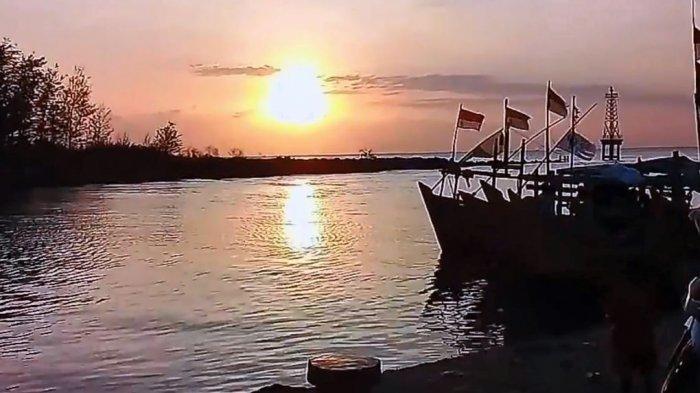 Nelayan Batang Keluhkan Pendangkalan di Muara Sungai Sambong