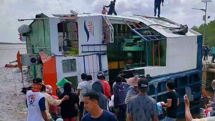 Kapal Feri Berisi 79 Penumpang dan 15 ABK Terbalik di Dermaga Sambas: Kejadiannya Cukup Cepat