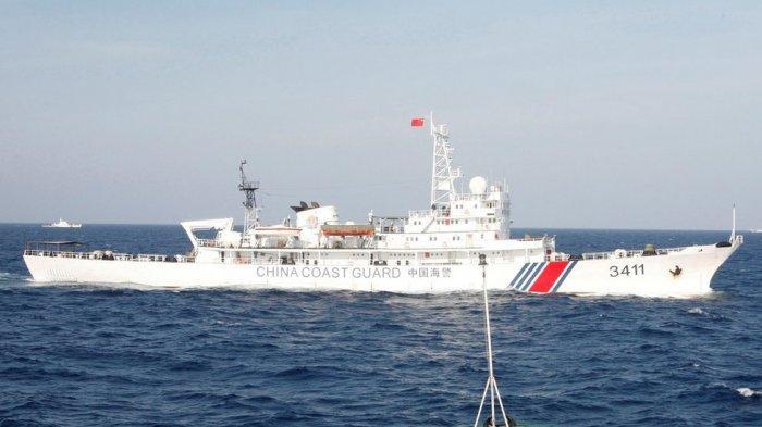 DETIK-DETIK! Kapal Perang TNI AL Usir Kapal Penjaga Pantai China di Perairan Natuna