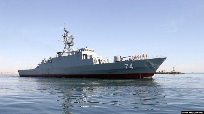 Kapal perang perusak Sahand milik Iran.