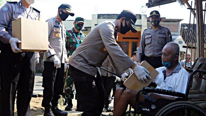 Polda Jateng Kembali Laksanakan Baksos Serentak, Bagikan 40 Ton Beras Untuk Warga