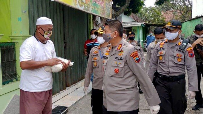 Irjen Pol Rycko: TNI dan Polri Siap Kawal Bansos Pemerintah, Warga yang Membutuhkan Diprioritaskan