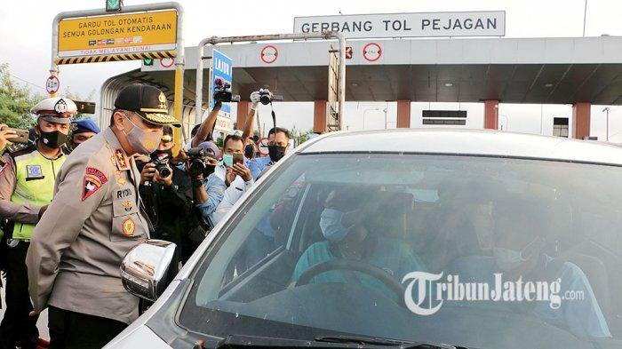 Kapolda Jateng Irjen Pol Rycko Instruksikan Anggota Selalu Bersikap Humanis Halau Pemudik