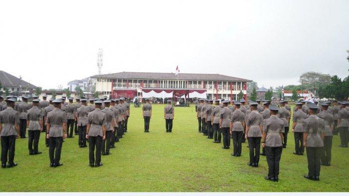 Kapolda Jateng Irjen Pol Ahmad Luthfi lantik siswa Pendidikan Pembentukan (Diktuk) Bintara Polri tahun 2020/2021 di Lapangan Pengayom SPN Banyumas , Senin (28/6/2021).