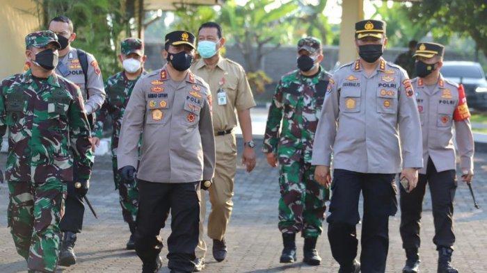 Kapolda Jateng Irjen Pol Ahmad Luthfi dan Pangdam IV/Diponegoro Mayjen TNI Rudianto lakukan tinjauan di Asrama Haji Donohudan Boyolali, pada Senin (7/6/2021).