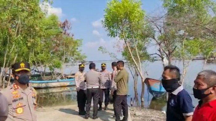 Kapolda Jateng Irjen Pol Ahmad Luthfi saat meninjau lokasi kecelakaan air di Objek Wisata Kedung Ombo di Kecamatan Kemusuk, Boyolali, Sabtu (15/5/2021)