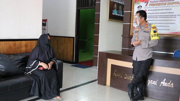 Senyum Raminten Kembali Setelah Diundang Kapolres Kebumen AKBP Rudy Cahya Kurniawan