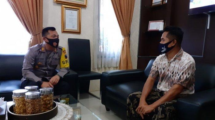 Samsul Diundang Kapolres Kebumen, Satenya Langsung Diborong Habis untuk Jemaah Salat Jumat