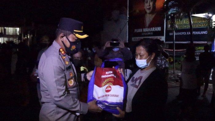 Polres Pemalang Bagikan 1,5 Ton Beras Per Hari untuk Warga yang Terdampak PPKM