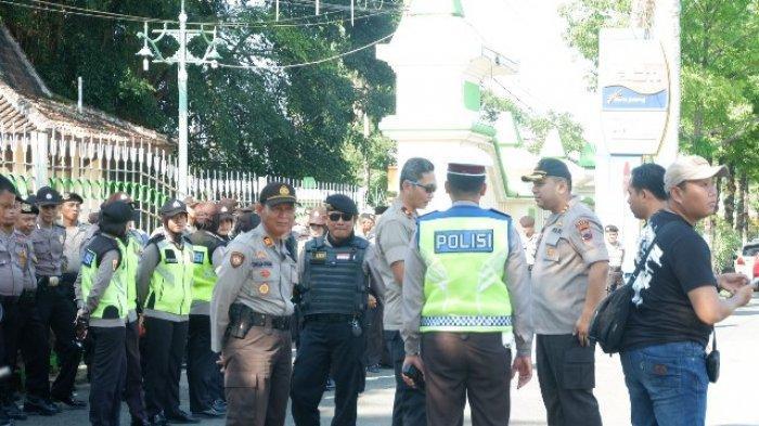 AKBP M Iqbal Imbau Warga Percayakan Penyelesaian Limbah B3 ke Bupati Tegal