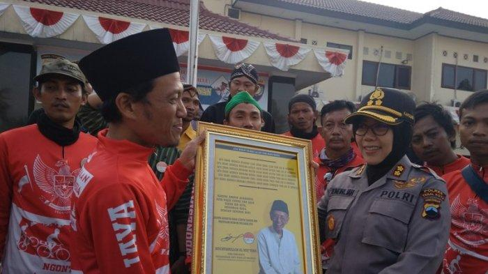 Kapolres Tegal Kota Sambut Rombongan Gowes Kebangsaan Yang Hendak Temui Presiden Jokowi