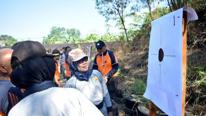 Polres Tegal Kota Rutin Berlatih Tembak, AKBP Rondhijah: Kemampuan Personel Diasah dan Evaluasi