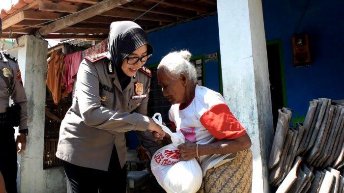 Kapolres  AKBP Siti Rondhijah Sambangi Warga Kota Tegal Kurang Mampu