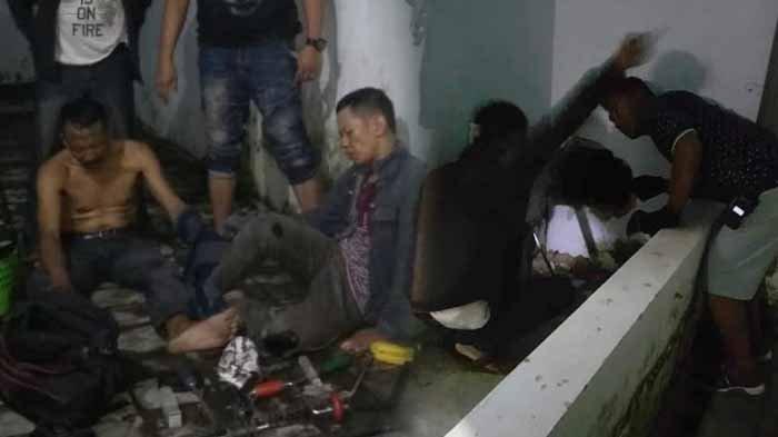 Perampok Toko Emas Kepergok Beraksi di Waktu Tarawih, Dikepung Warga dan Polisi Keluarkan Tembakan