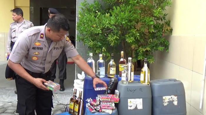 Sepekan Gelar Operasi Pekat, Polsek Laweyan Sita Ribuan Liter Miras