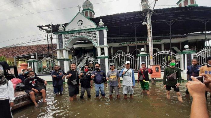 Karang Taruna Kota Semarang Kirim 1.000 Nasi Bungkus Korban Banjir Genuk