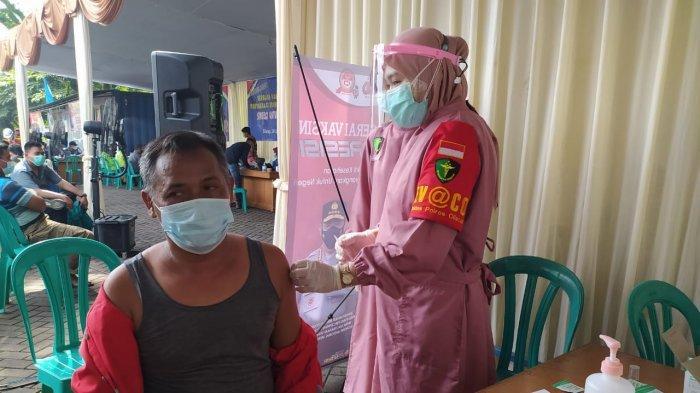 300 Karyawan Kontraktor SBI Pabrik Cilacap Mengikuti Vaksinasi Corona Massal
