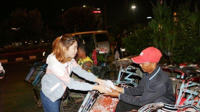 Hotel Star Semarang Bagikan 600 Nasi Bungkus untuk Sahur Tunawisma