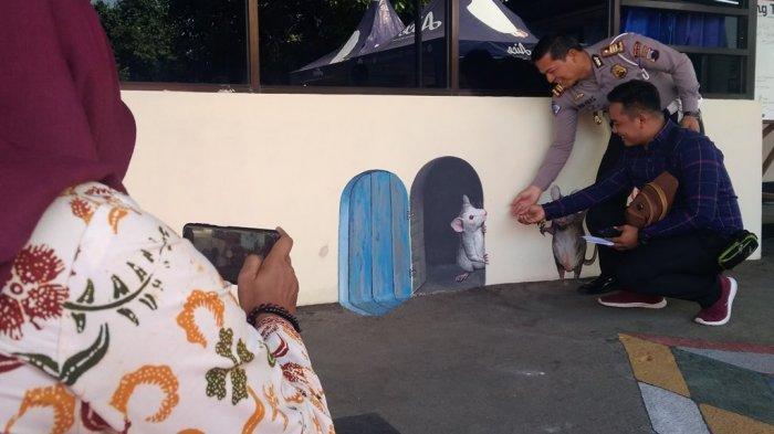 AdaSpot Foto 3D di Polres Tegal Kota, Mengurus Pembuatan SIM Jadi Tak Membosankan