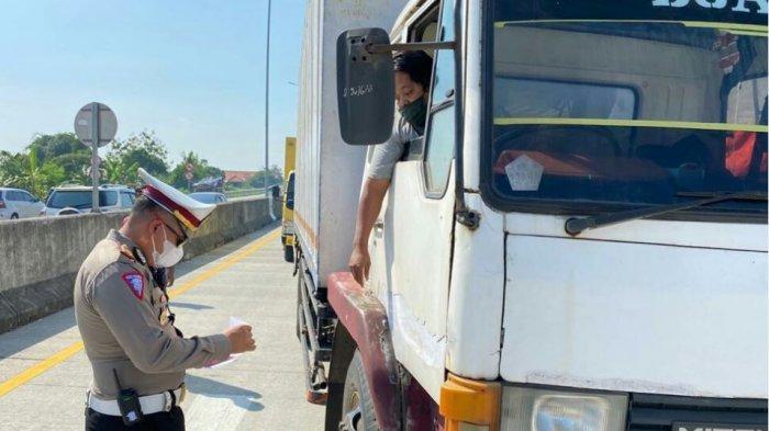 Berikut Syarat Pelaku Perjalanan yang Ingin Melintas di Wilayah Kabupaten Tegal Selama PPKM Darurat.