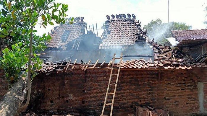 Tungku Api Lupa Dimatikan, 1 Rumah di Mayong Jepara Terbakar