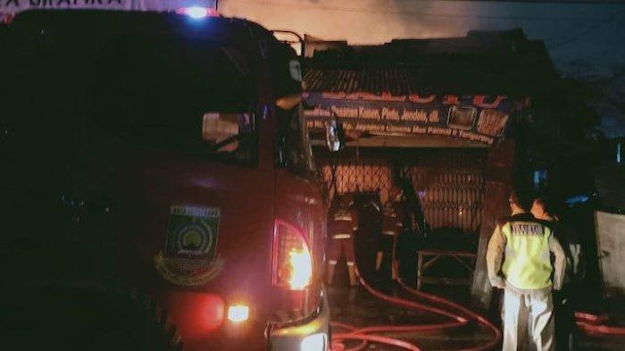 DETIK-DETIK: Lia, Danti dan Indah Tewas Mengenaskan dalam Kebakaran Toko Kusen Kota Tangerang