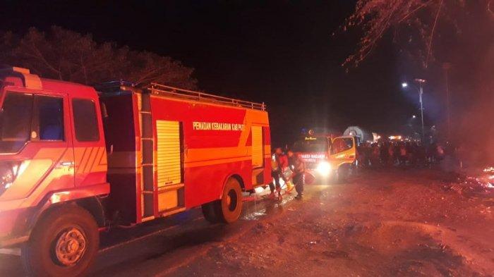 Diduga Hubungan Arus Pendek, Empat Warung di Pati Hangus Terbakar