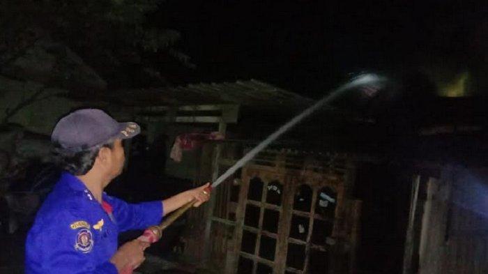 Bediang Pengusir Nyamuk akibatkan Kebakaran Kandang Sapi di Tambakromo Pati
