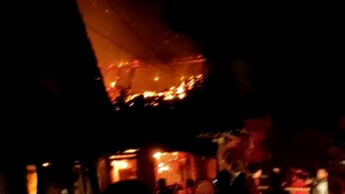 Kebakaran Pasar Sukorejo Kendal, Api Diduga Berasal dari Warung Makan: 13 Kios & Los Ludes Terbakar