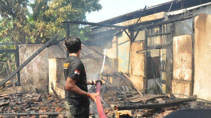 Akibat Bara Api Bekas Masak Air, Dapur Rumah di Kudukeras Pati Ludes Terbakar