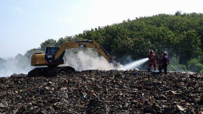 Kebakaran TPA Darupono Kendal Akibat Pembakaran Gas Metana